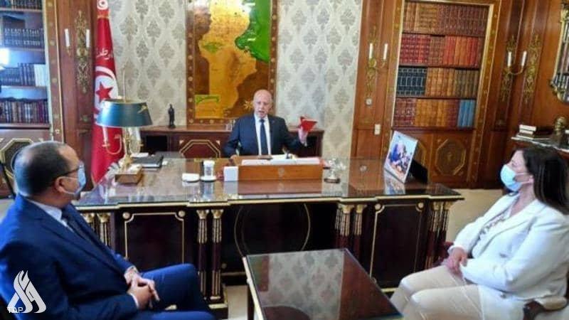الرئيس التونسي يحذر من تجاوزات تهدد وحدة الدولة